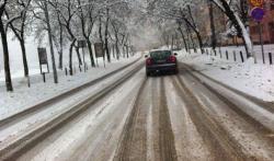 Stanje na putevima u Hercegovini: Saobraćaj otežan i usporen zbog snijega