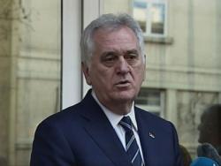 Николић: Идем у пензију, али не и из политике
