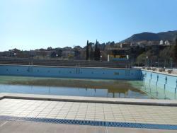 Овог љета ноћно купање - ХЕТ улаже 180.000 KМ у реконструкцију базена