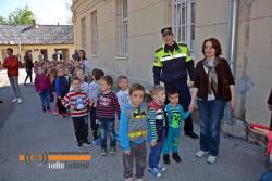 Policija u druženju sa mališanima