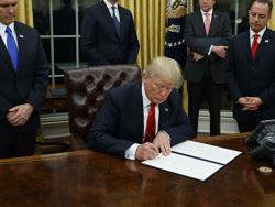 Трамп потписао: Црна Гора иде у НАТО