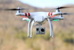 Dronovima dopremaju drogu i mobilne telefone u zatvore
