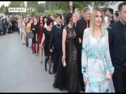 Невесињски матуранти: Ревија љепоте и елеганције (ВИДЕО)