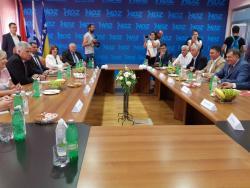 Мостар: Почео састанак Додика и Човића