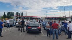 Taksisti blokirali Jadransku magistralu (FOTO)