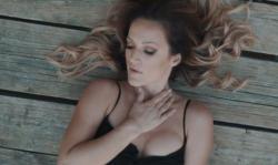 """У Доброманима код Требиња Тијана Богићевић снимила спот за пјесму """"Ти имаш право"""""""