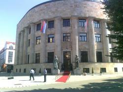Додик помаже реконструкцију 30 школа у Српској