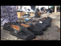 Neobični proizvodi na trebinjskoj pijaci: Čičoka, kožne opanke, sušene kruške (VIDEO)