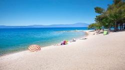Crnogorci predlažu zabranu naplaćivanja ulaska na plažu