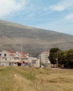 Комунална полиција наложила уклањање киоска на Градини