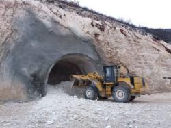Хе Дабар: Главни тунел се пробија из четири нападне тачке